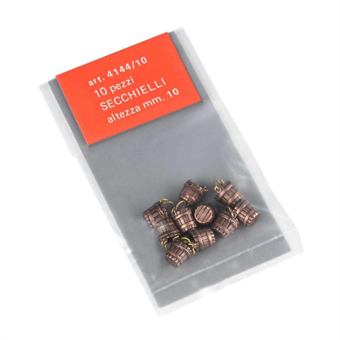 Cucharones de metal con mango mm.10